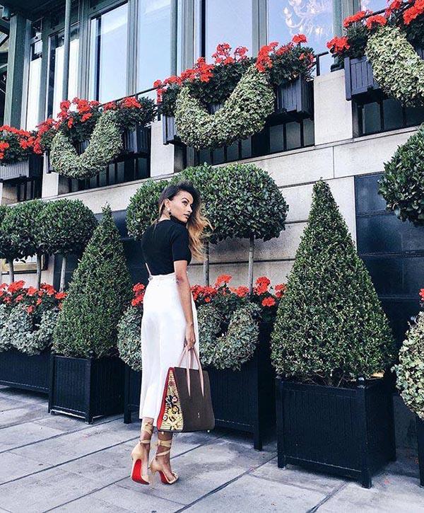 Caisse Versailles Pflanzkübel aus Metall mit Fashion Modell am Genfer Hotel d'Angleterre