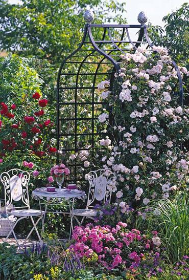 Viktorianische Rosenlaube romantisch