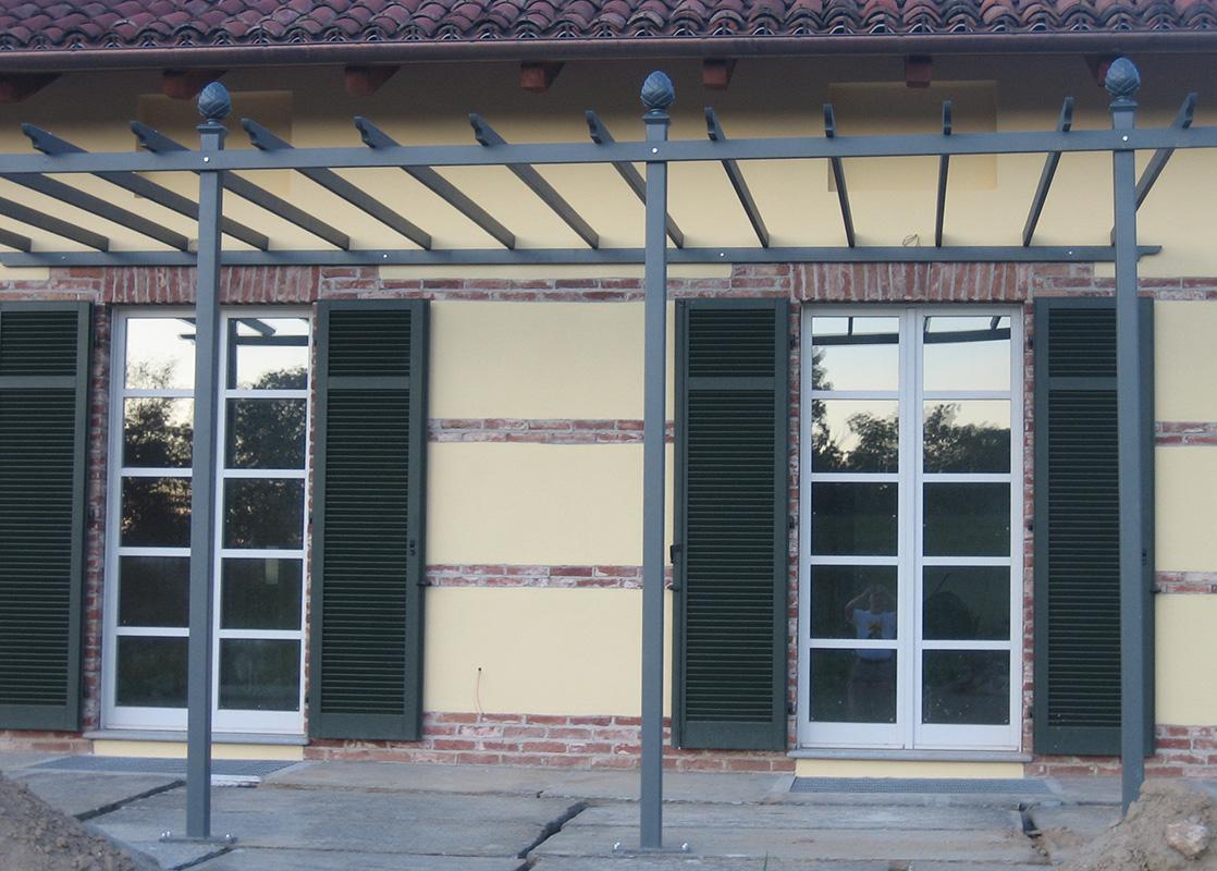 Pergola Piemont auf Terrasse