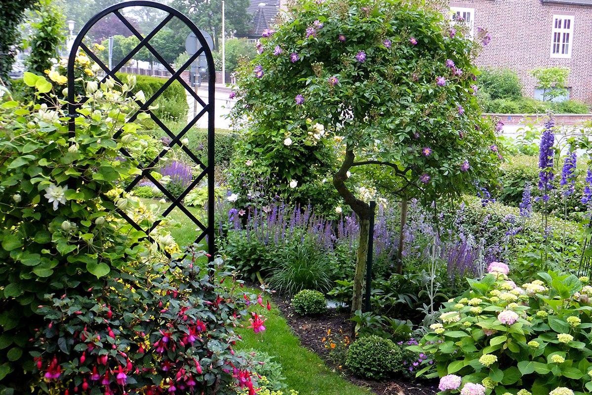 Rankgitter Beekman im Vorgarten