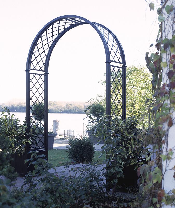 Rosenbogen Portofino im Spätherbst