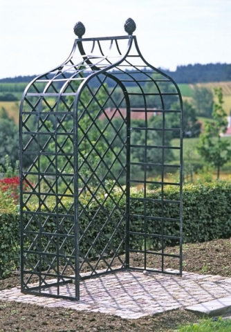 Englische Rosenlaube Metall Schwarz bei Aufbau