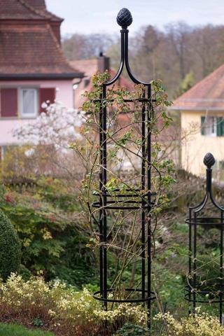 Freistehende Rankobelisk aus Metall Gartenobelisk für Clematis