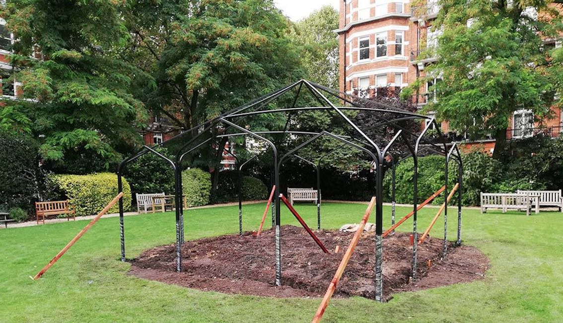 Rosenpavillon Metall Aufbau
