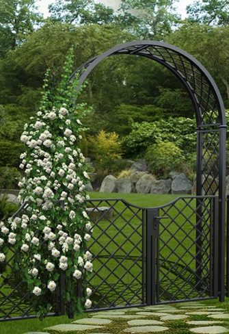 Metall Rosenbogen mit weißen Rosen