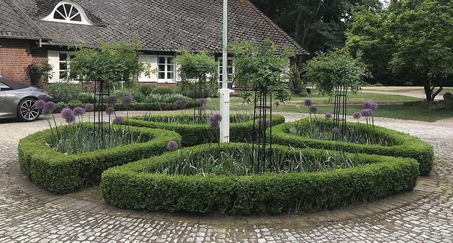 Rankhilfe-Rosensschirm-Giverny-im-Rondell 3