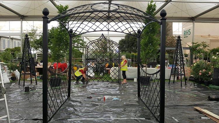 Aufbau des Damen Pavillon auf der Chelsea Flower Show