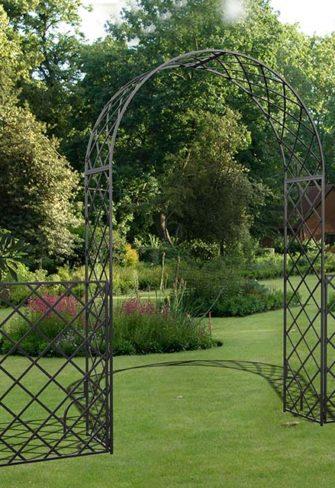Metall Rosenbogen mit Gartenzaun