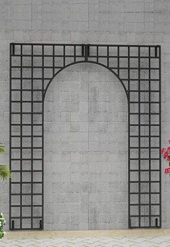 Modernes Metall Wandgitter an Betonfassade