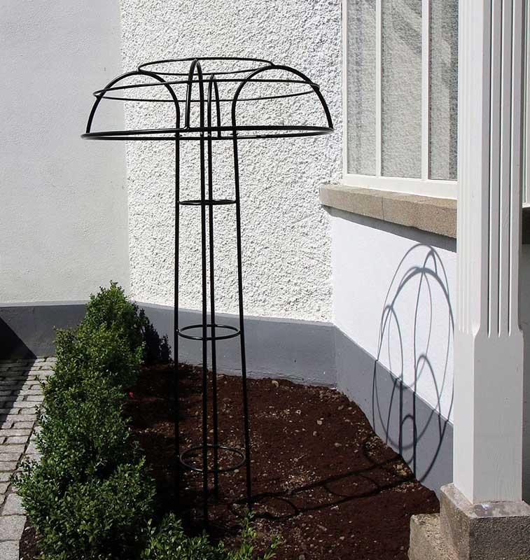 Rosenschirm Giverny vor Bepflanzung