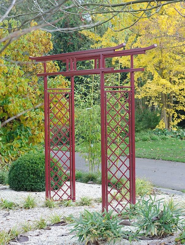 Torbogen für japanischen Garten in Rot