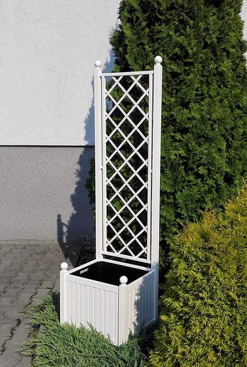 Weisser-Versailler-Pflanzkübel-aus-Metall 1