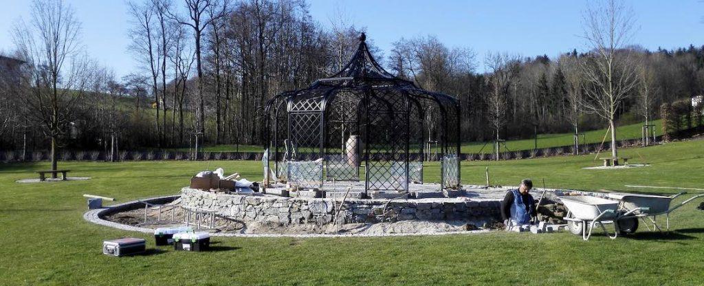 Aufbau Gartenpavillon Schwarz aus Metall