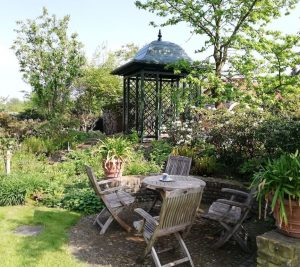 Aufbau Metall Gartenpavillon 3