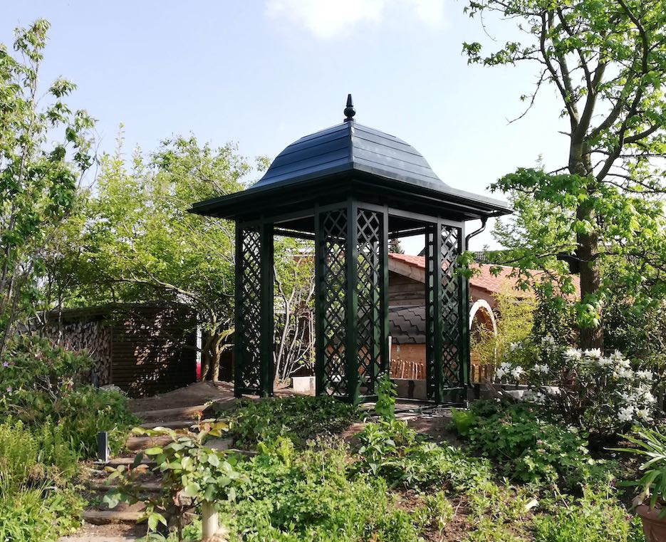 Aufbau Metall Gartenpavillon 4