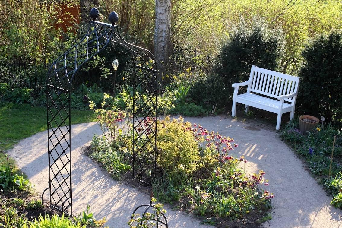 rosenbogen-kundengarten-achterwehr-schleswig-holstein-classic-garden-elements-min Kopie